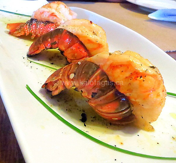 Broiled Lobster Tails With Oil Lemon Sauce